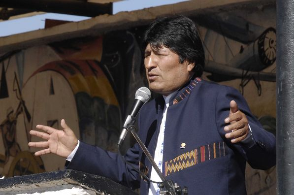 Evo Morales reafirma que no hay crisis económica pero no se sabe si habrá dinero para pagar aguinaldos