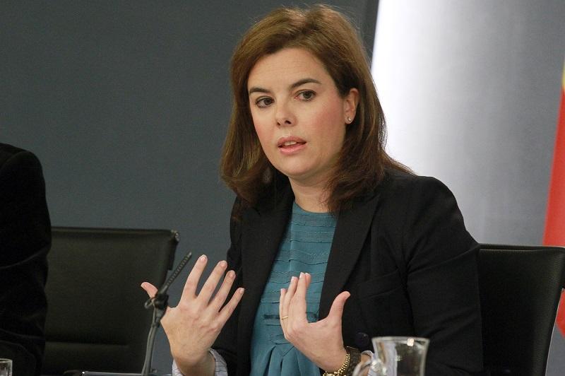 La vicepresidenta del Gobierno, Soraya Sáenz de Santamaría, durante la rueda de prensa posterior al Consejo de Ministros (Moncloa)