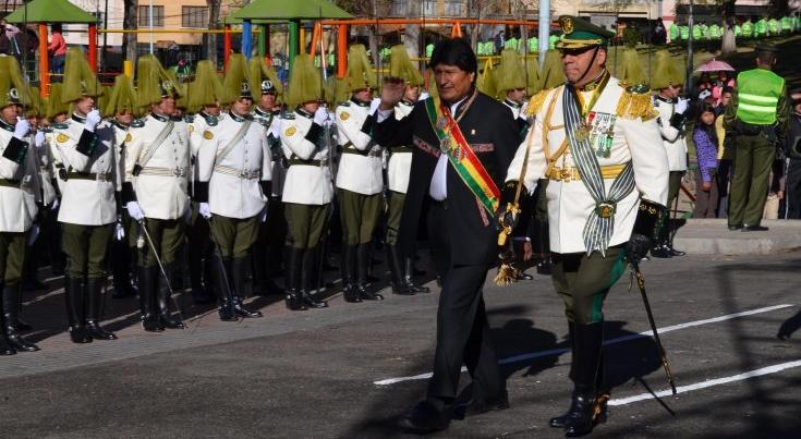 Polémica: ordenan que se entone el 'Himno a Evo Morales' en actos castrenses