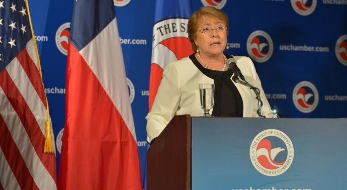 Encuesta: desaprobación a la gestión de Michelle Bachelet llega al 70%