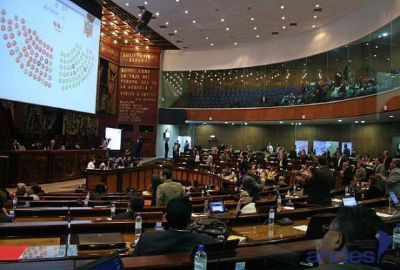 Ecuador aprobó proyecto de ley para el Equilibrio de las Finanzas Públicas