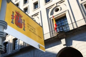 España: lucha contra fraude laboral recupera 1,4 millones en cuotas a la Seguridad Social