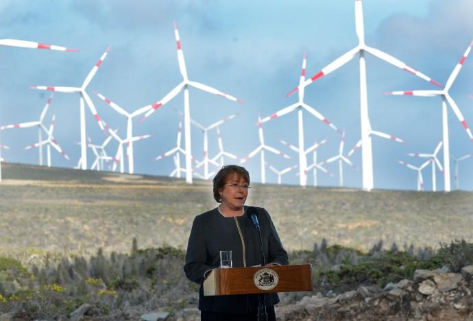 Chile promueve desarrollo de energías limpias