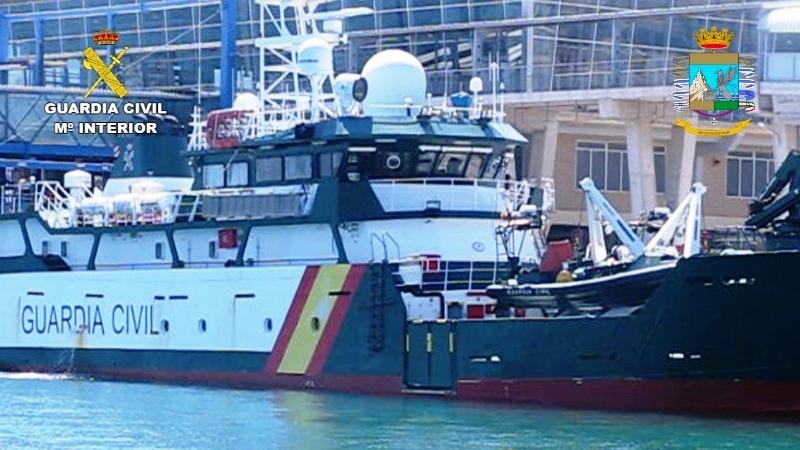 En una persecución en alta mar, la Guardia Civil interviene carga de hachís