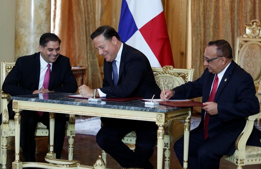 Presidente de Panamá visita el Vaticano y España