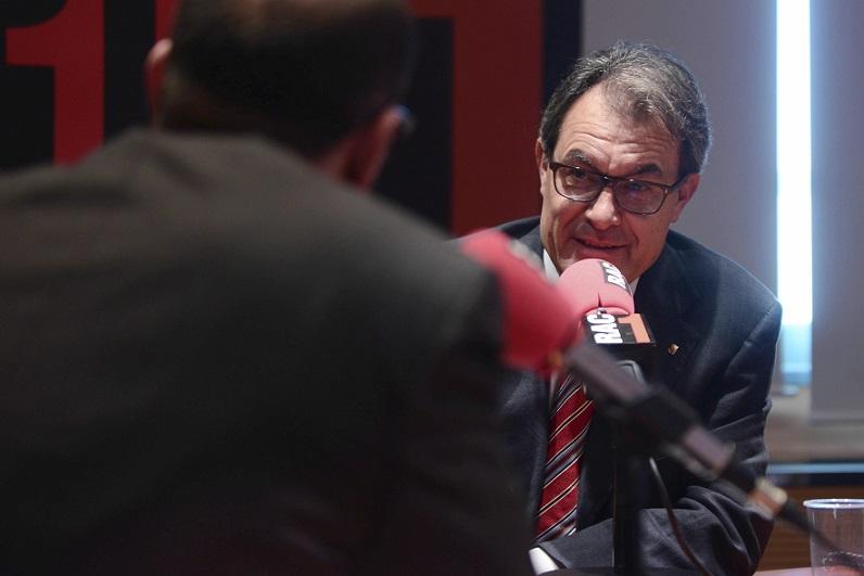 """Artur Mas afirma que el reto democrático que vive Cataluña """"se resolverá votando"""""""