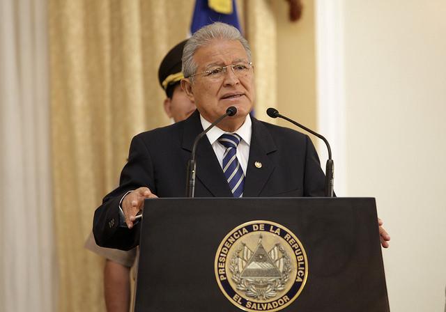 El Salvador destaca inserción laboral de la mujer