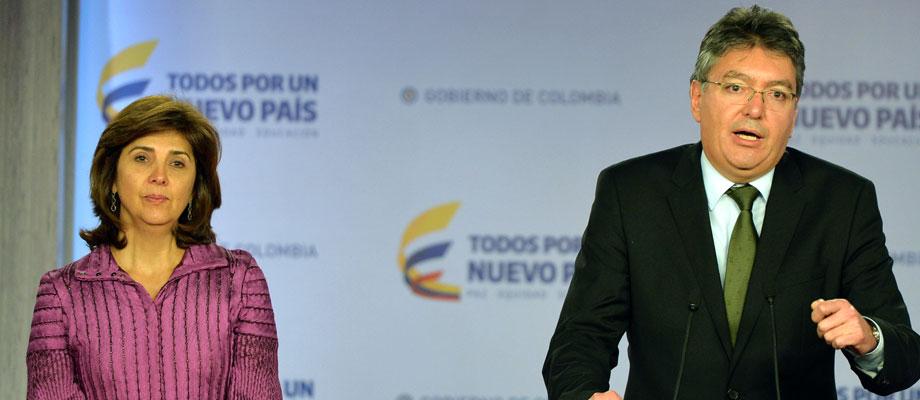 Colombia y Panamá luchan contra evasión de impuestos