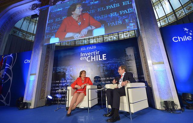 """Bachelet: """"contamos con la estabilidad política, social y económica que da seguridad a sus inversiones"""""""