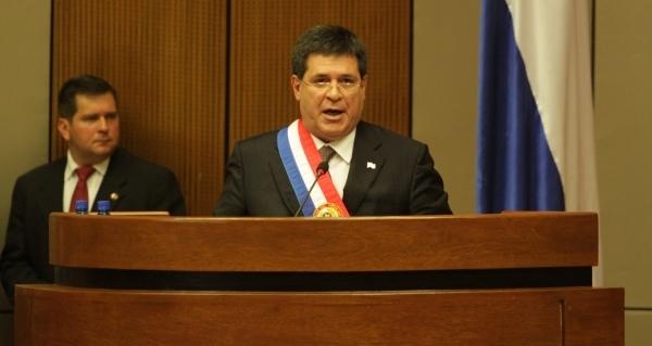 Cartes destaca lucha frontal de su gobierno contra la pobreza en Paraguay