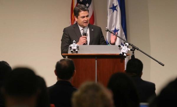 Hernández insta a hondureños a participar del diálogo contra la corrupción