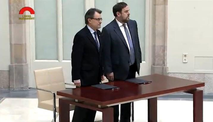 Cataluña: soberanistas anuncian la independencia en 18 meses luego del 27-S