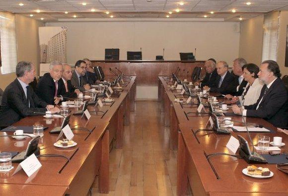 Consejo de ex cancilleres de Chile se reúne para analizar demanda boliviana