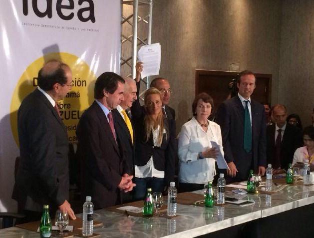 Aznar en representación de IDEA ha estado reunido con las esposas de los líderes opositores venezolanos  Leopoldo López y Antonio Ledezma previo al inicio de la Cumbre de las Américas (Foto: Twitter Lilian Tintori)