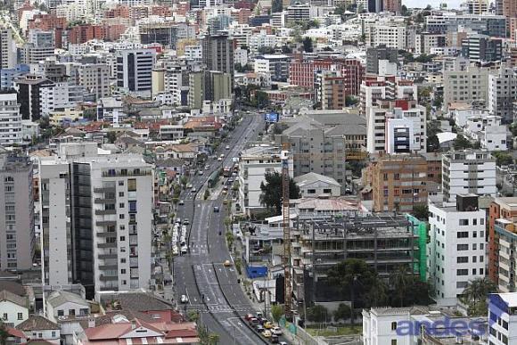 Ecuador entre los mejores crecimientos económicos de la región; en mayo revisará proyección para 2015