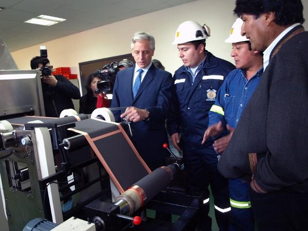 Bolivia constata avances en la industria del litio