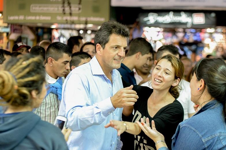 Sondeo de opinión: Sergio Massa crece y se acerca al porcentaje de Macri