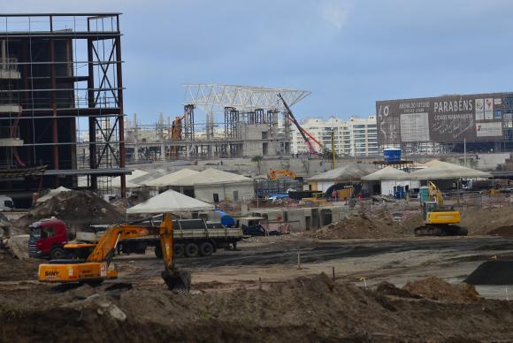 Brasil: Ingenieros y arquitectos amenazan con paralizar obras de los JJ.OO.