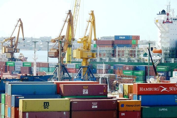 España registra récord de exportaciones en el primer trimestre y reduce un 14,9% el déficit comercial