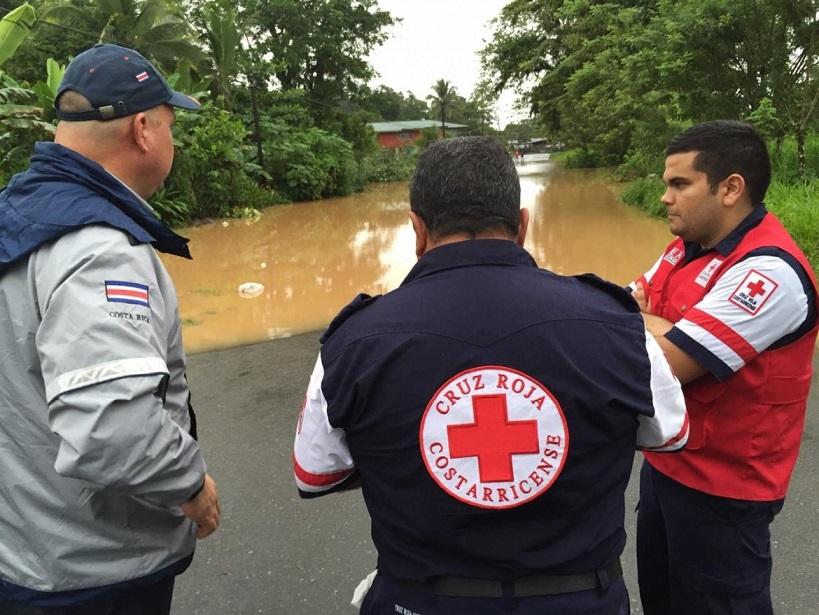 Alerta roja en Costa Rica por temporal en el Caribe, vigilan zonas para evitar saqueos