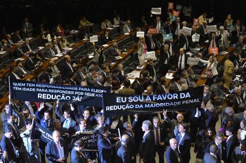 Brasil: Parlamento aprueba propuesta que reduce la edad penal de los 18 a los 16 años
