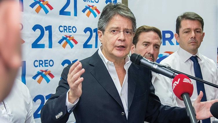 Guillermo Lasso a Rafael Correa: 'la familia ecuatoriana quiere decirle lo injusto y lo inmoral de sus abusos'