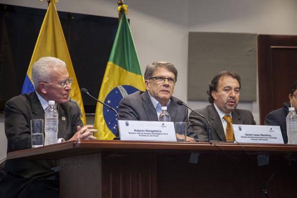 Brasil plantea a Ecuador iniciativas para impulsar convergencia regional en temas de desarrollo