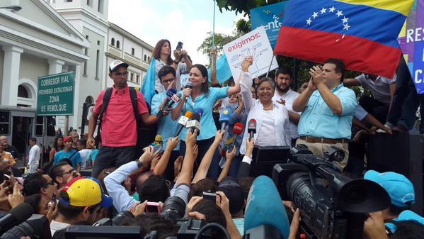 El chavismo impide que María Corina Machado se inscriba como candidata