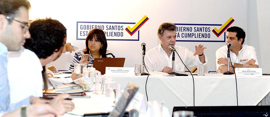 Alcaldes y gobernadores de Colombia valoran recursos para desarrollo de las regiones del país