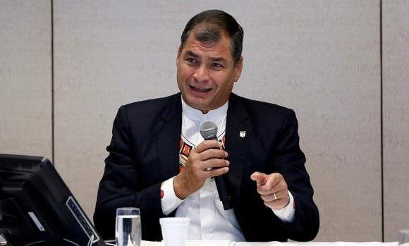 """Correa: Ecuador tendrá """"un pequeño y positivo"""" crecimiento económico este año"""