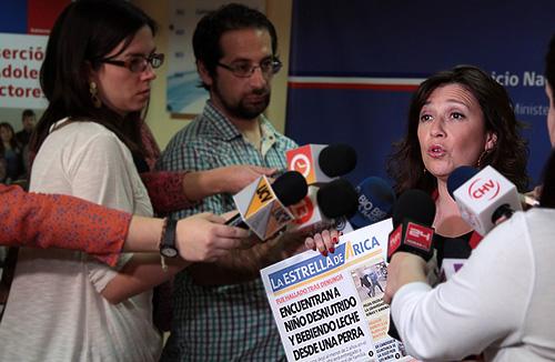 Chile: la madre vivía ebria y el niño de tres años era amamantado por una perrita