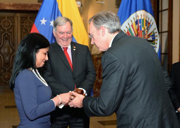 Maduro quiere eliminar la OEA pero Venezuela asume una presidencia temporaria