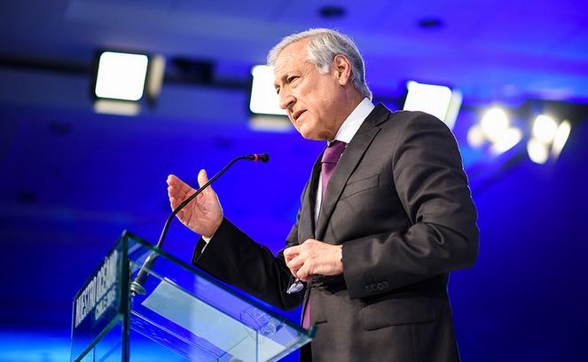 """Canciller insta al BM a estimar si """"cambios metodológicos"""" afectaron inversiones en Chile"""