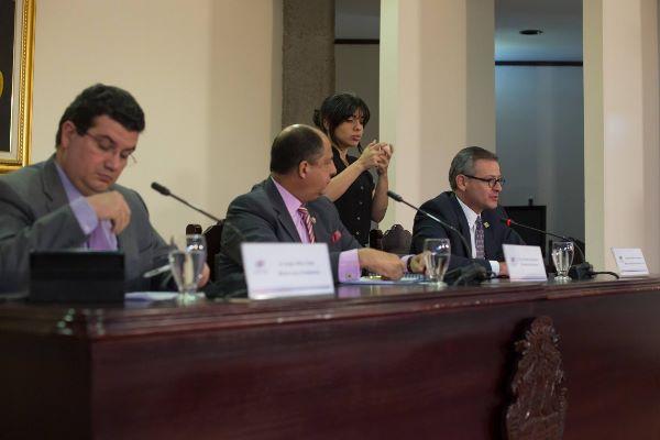 Costa Rica gestiona organizar reunión regional para dar solución a cubanos migrantes