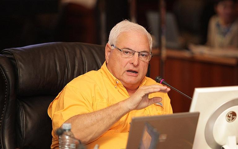 Martinelli: 'Quien se oponga a Varela en Panamá termina en la cárcel'