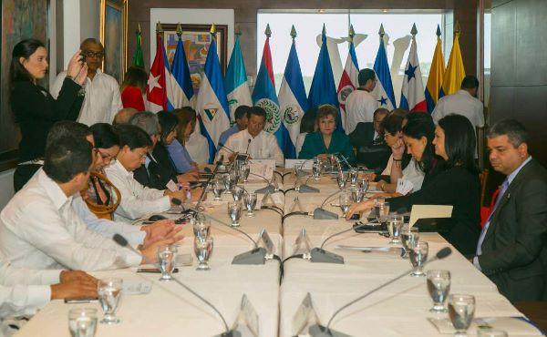 Costa Rica insta a tránsito ordenado y documentado de migrantes cubanos