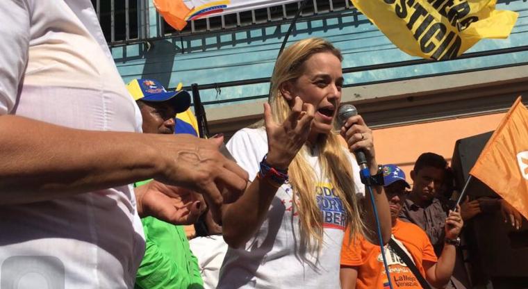 Terror en Venezuela: asesinan a dirigente opositor en acto de Lilian Tintori