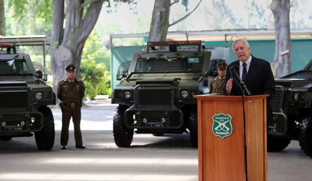 Chile 'pacifica' tierras mapuches: compran carros blindados con ametralladoras