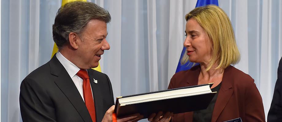 Colombia firma acuerdo de exención del visado para viajes a 26 países de la UE