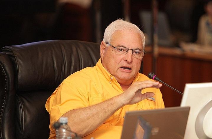 Panamá: ordenan la detención del ex presidente Martinelli