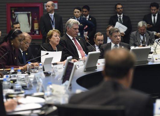 """Bachelet: """"para Chile es central avanzar en la integración regional"""""""