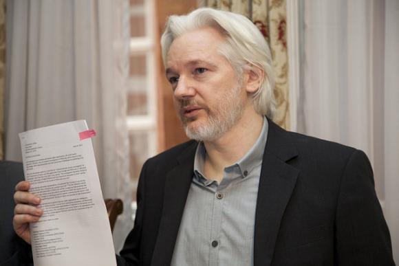 Fallo de la ONU señala que Julian Assange está detenido en forma arbitraria en Londres