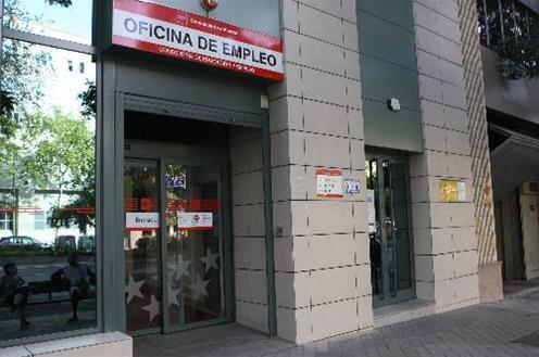 En medio de la crisis que no permite formar gobierno crece el paro en España
