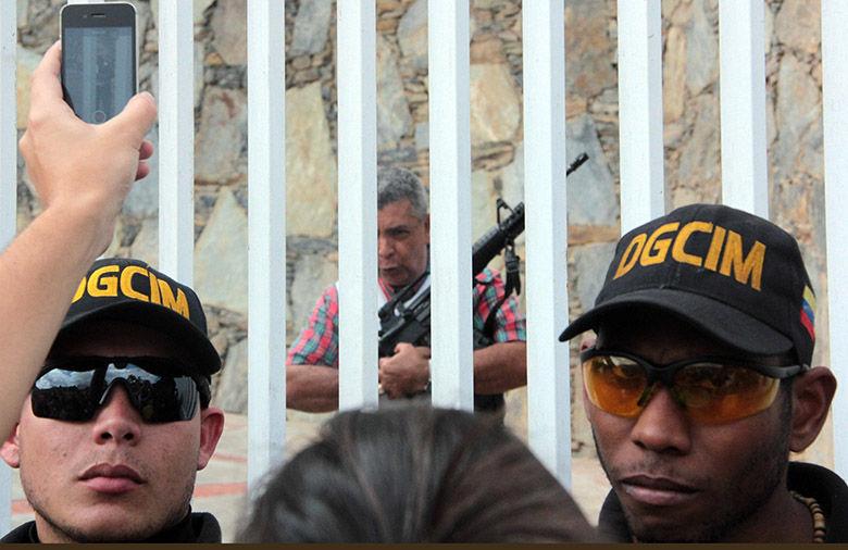 General Ángel Vivas, dos años resistiendo el asedio del régimen chavista (Foto: El Nacional)