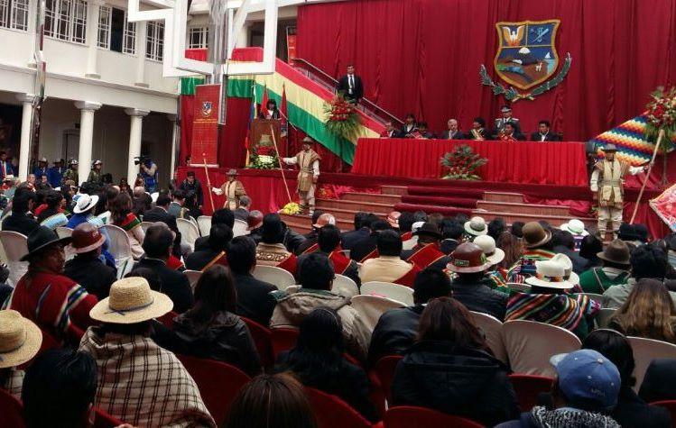 Bolivia valora aportes de Francia y UE para crear planta solar más grande del país