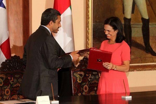 Panamá y los Emiratos Árabes Unidos buscan mayor cooperación comercial