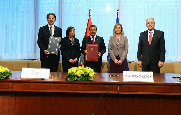 Humala firma acuerdo que permite a los peruanos ingresar sin visa a la UE