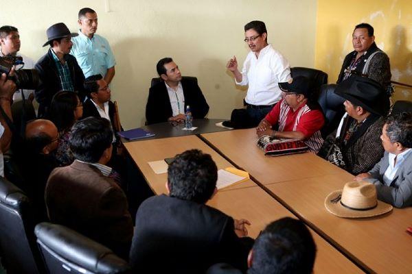 Presidente de Guatemala aboga por mayor transparencia en municipios
