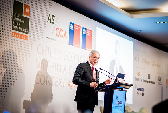 Canciller chileno asegura que prioridad de política exterior son las relaciones con la región