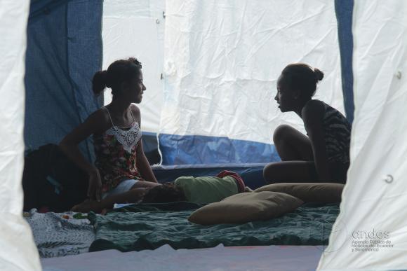 Ecuador: más de 22.000 personas son atendidas en 61 refugios en las zonas afectadas por terremoto